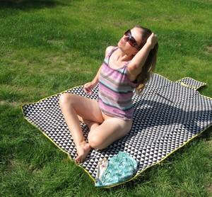 Sexy-milf-sunbathing-naked-x18-e7dg8vh3ij.jpg